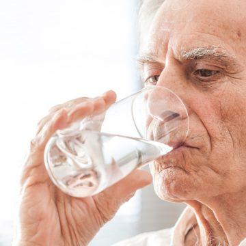 Bien s'hydrater : pourquoi faut-il boire suffisamment d'eau ?