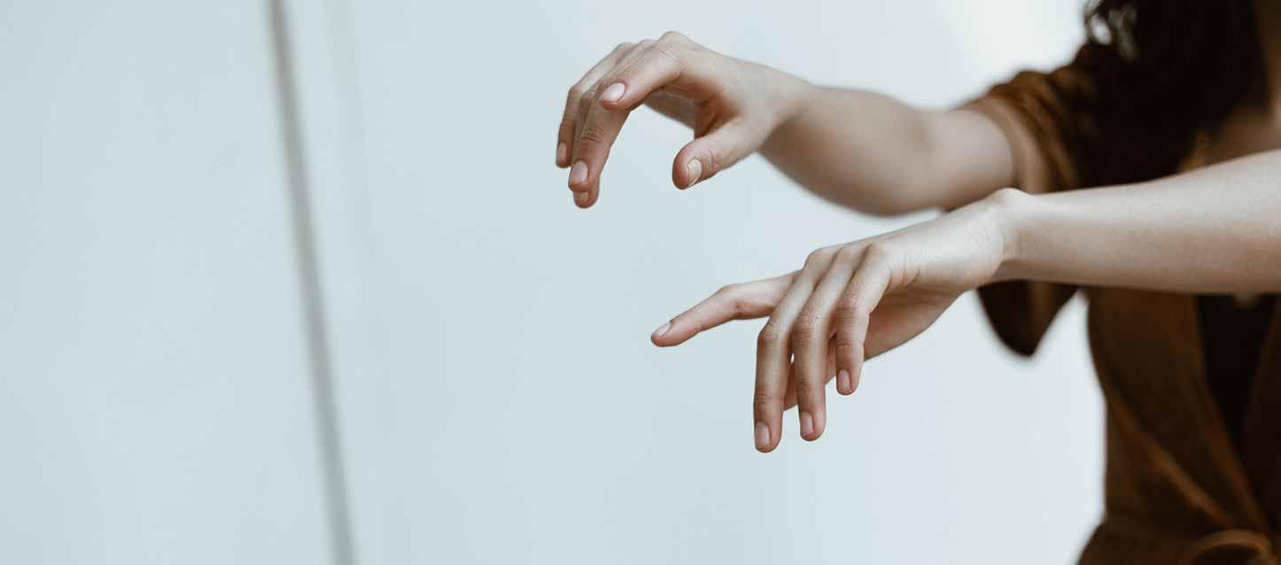 Picotements mains