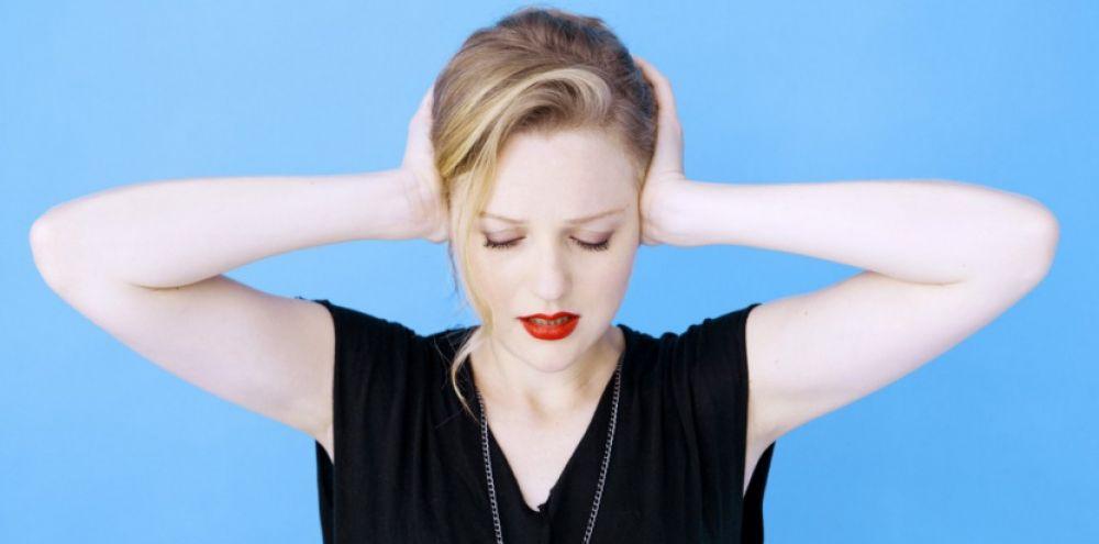 les raisons potentielles qui peuvent causer des sifflements a oreille gauche